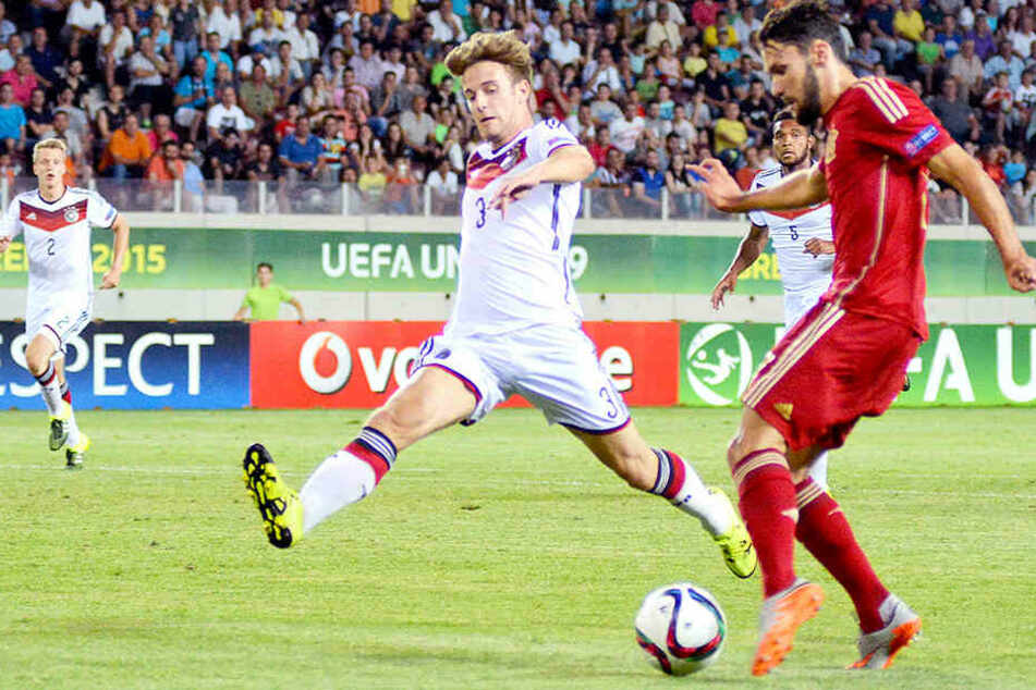 Der frühere spanische Junioren-Nationalspieler Alfonso Pedraza (r.) soll ebenfalls bei Dortmund auf dem Zettel stehen.