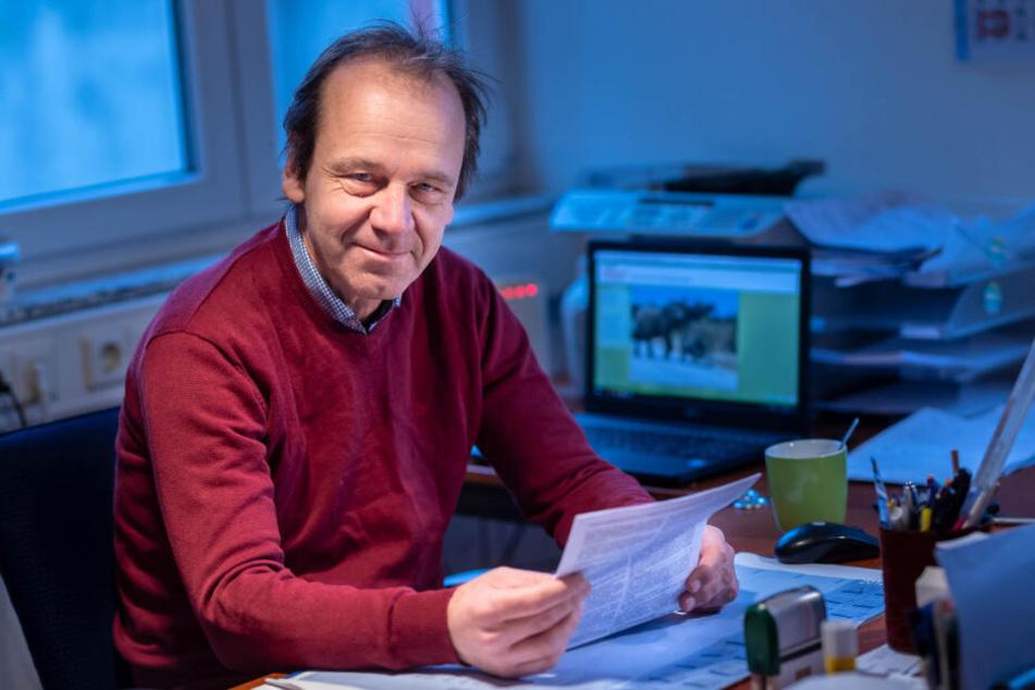 Verkehrspsychologe Dr. Bernd Wiesner (53) gibt dem Innenministerium eine Mitschuld an den Verkehrsopfern.