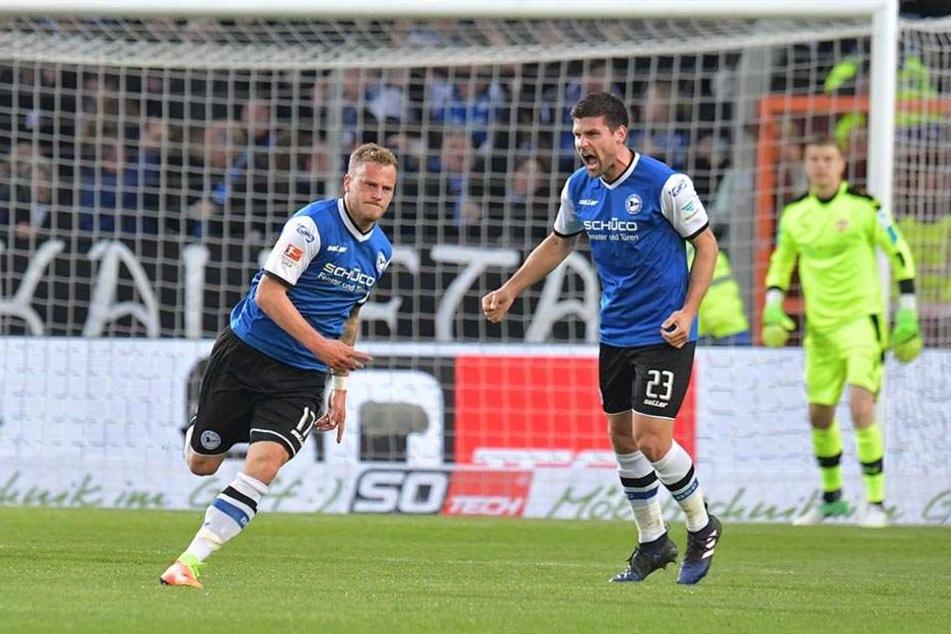 Auch gegen den VfB Stuttgart stand Dick (re.) neben dem Torschützen zum 1:0, Christoph Hemlein, in der Startelf.