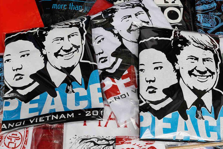 Donald Trump und Kim Jong-un (hier auf T-Shirts) werden in Hanoi erwartet.
