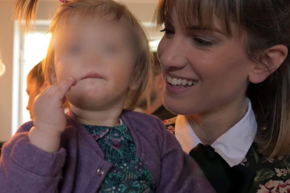 Isabell Horn ist sichtlich stolz auf ihre kleine Ella.