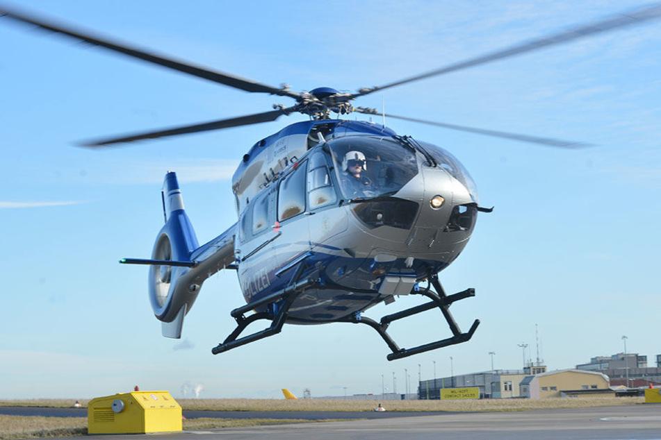 Zeitweise war ein Hubschrauber im Einsatz.
