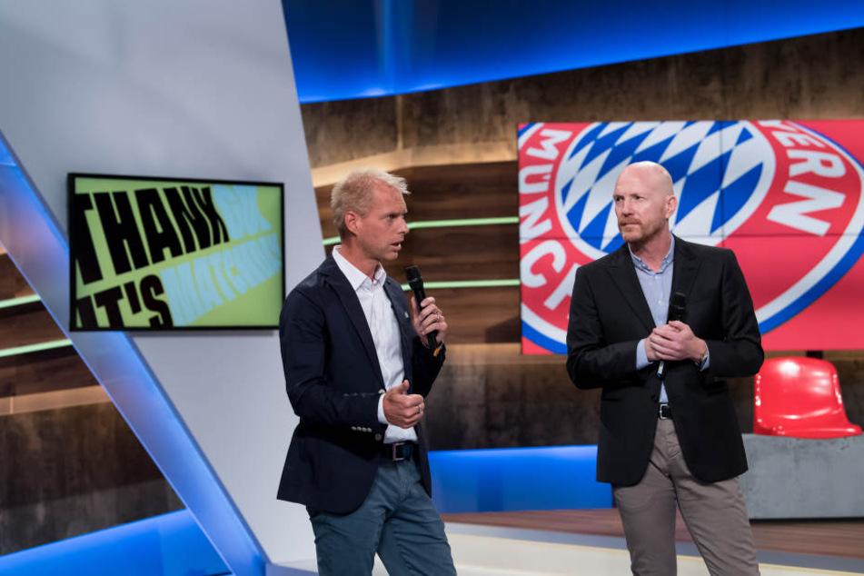 Der Fußball-Experte Matthias Sammer (r) und Jan Henkel moderieren bei Eurosport. (Archivbild)