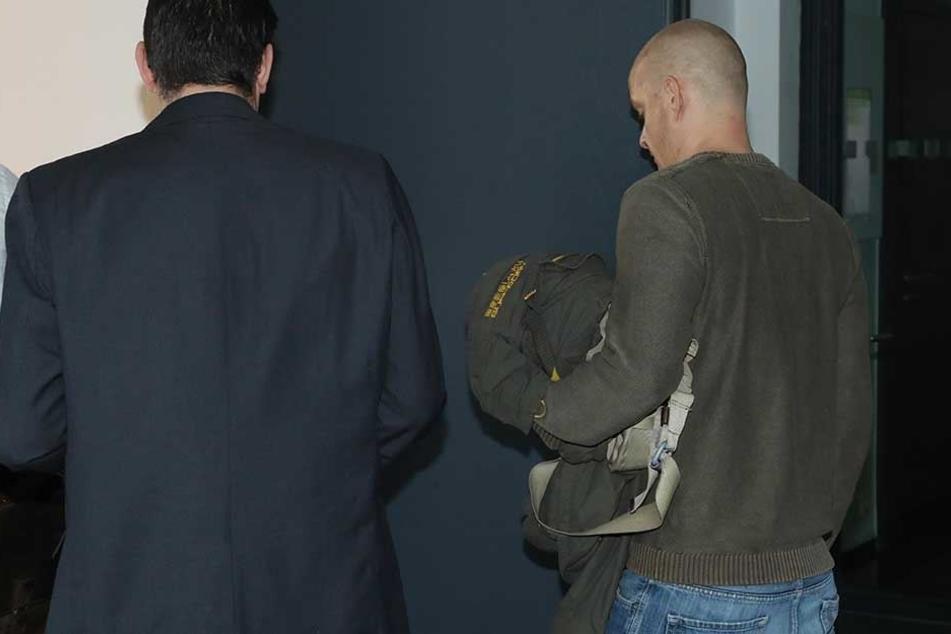 Sein Kaufrausch brachte ihn in den Knast: Ludwig A. (36) wurde am Amtsgericht Dresden verurteilt.