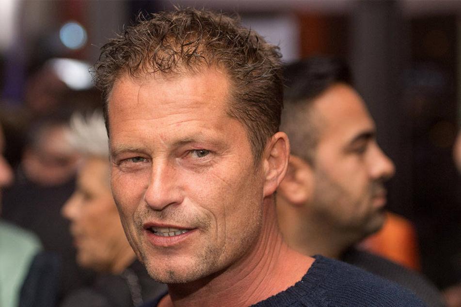 Til Schweiger wütet gegen den AfD-Poltiker Jens Maier. Rassismus kann er gar nicht leiden.