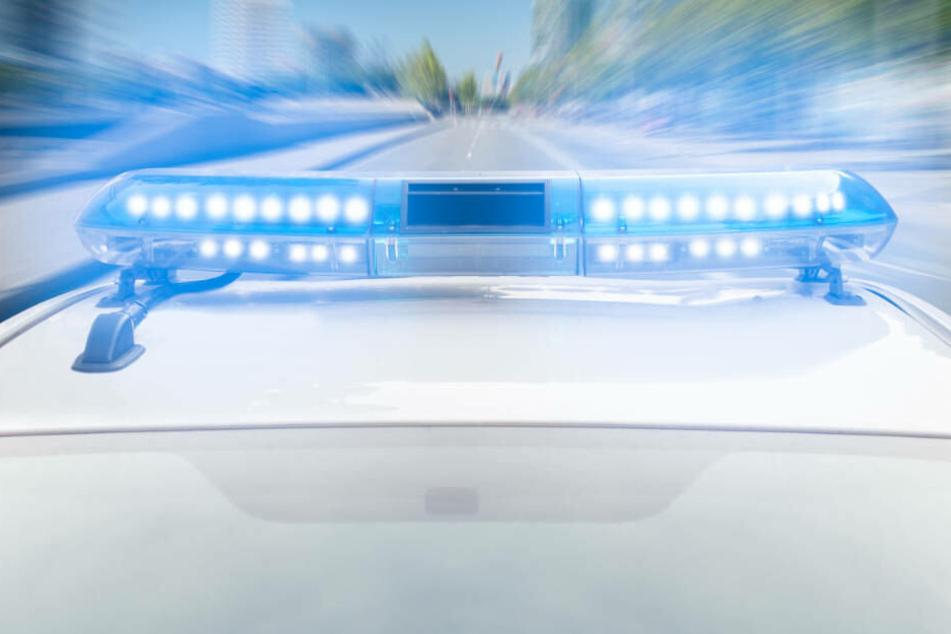 Polizei hält Autofahrer auf der A70 an, dann erschießt sich der Mann