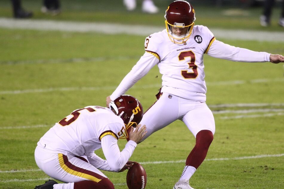 NFL: The WFT battles back against the Giants to escape with a close win at home