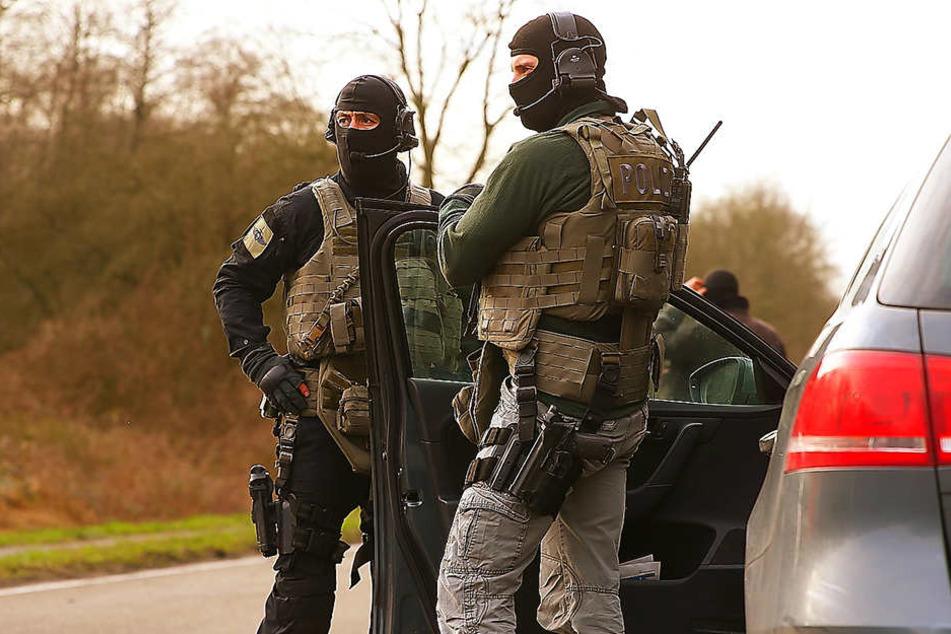 Beim Einsatz am Donnerstagnachmittag wurden zwei Personen festgenommen. (Symbolbild).
