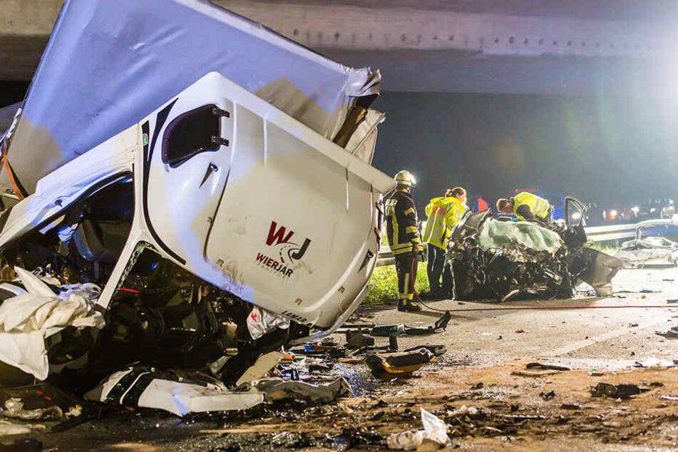 Autobahn-Horror! Drei Tote bei Crash mit Geisterfahrer-Lkw
