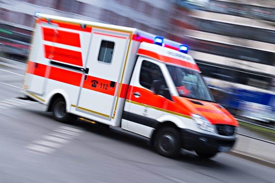 Die Fahrradfahrerin (35) wurde bei dem Unfall leicht verletzt - der Pkw-Fahrer flüchtete!