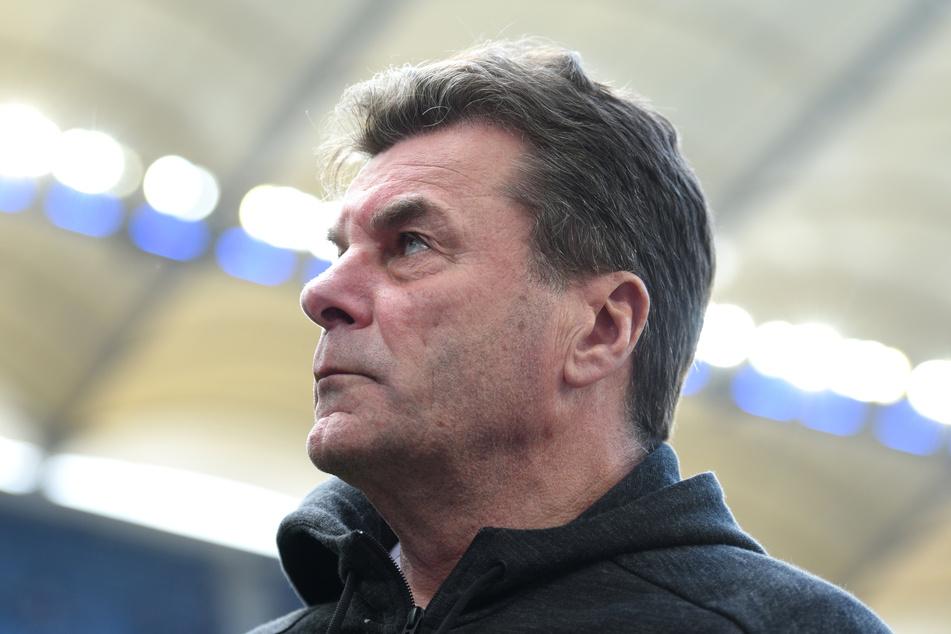 Auch HSV-Coach Dieter Hecking sendet Genesungswünsche.