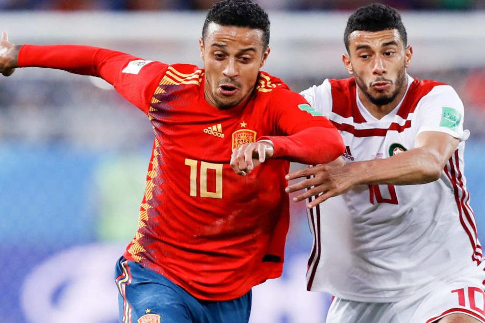 Bei der Fußball-WM in Russland kämpft Thiago (l.) mit Spanien um den Titel.
