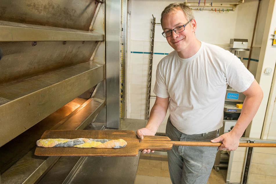 Kein Schuss in den Ofen: Bäcker Marlon Gnauck (37) backt WM-Baguette.