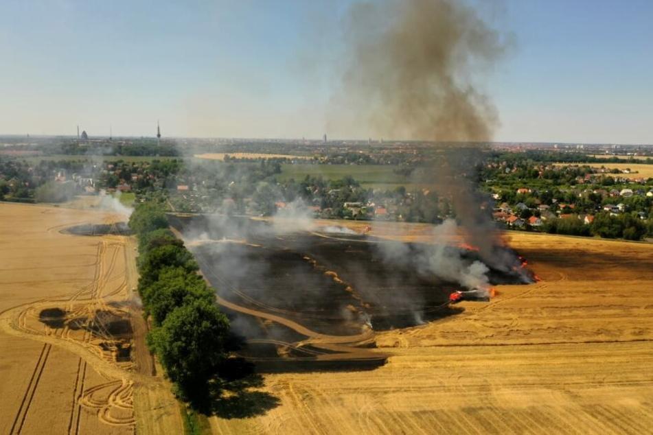 Beeindruckende aber auch dramatische Luftaufnahme aus dem Bereich Baalsdorf/Holzhausen in Leipzig.
