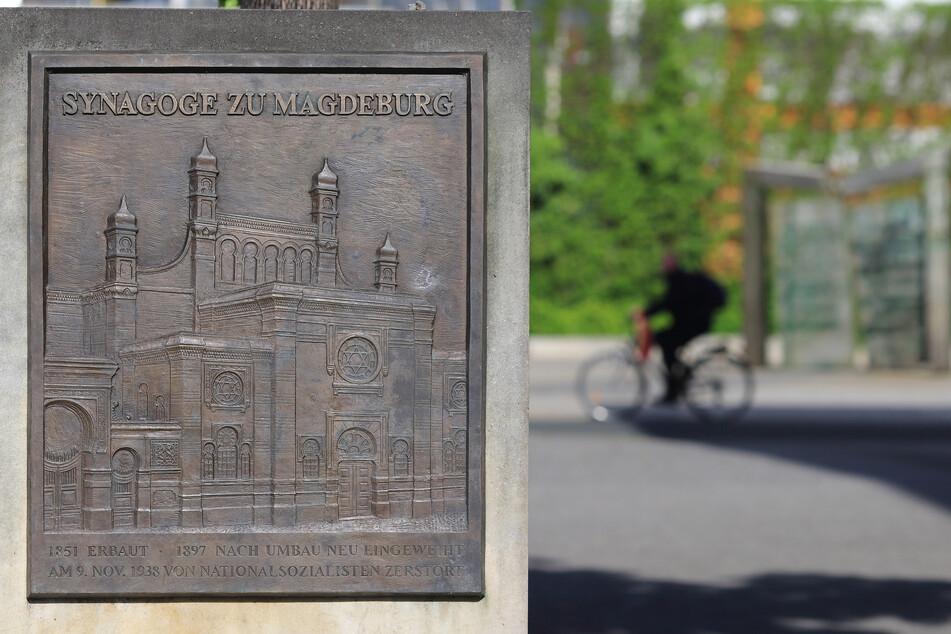 In Magdeburg soll eine neue Synagoge gebaut werden. Die alte Synagoge wurde am 9. November 1938 durch Nationalsozialisten zerstört - eine Gedenktafel erinnert an das Gotteshaus.