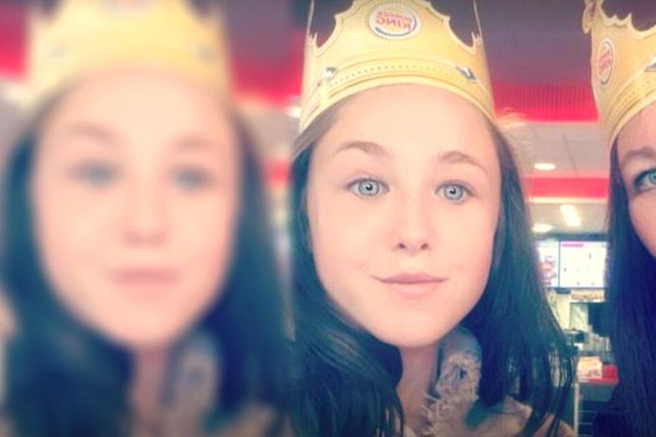 Ihrer Mutter Kelly (46) konnte kaum fassen, was Maisie-Rae Adams (14) in der Schule widerfuhr, als sie ihre Periode bekam.