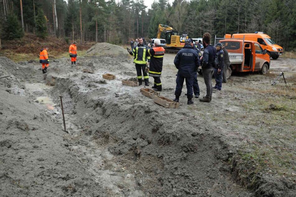 75 aufgefundene Weltkriegs-Granaten wurden in der Dippser Heide zur Entschärfung vergraben und gesprengt.