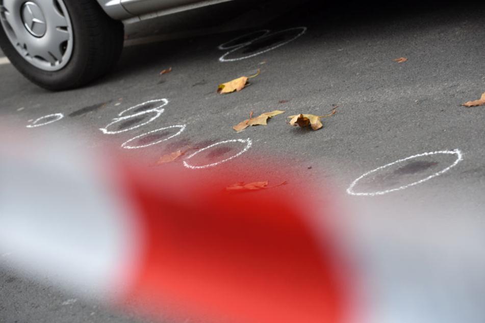 Der Mann schoss mehrfach auf den Polizisten und verletzte diesen schwer. (Symbolbild)
