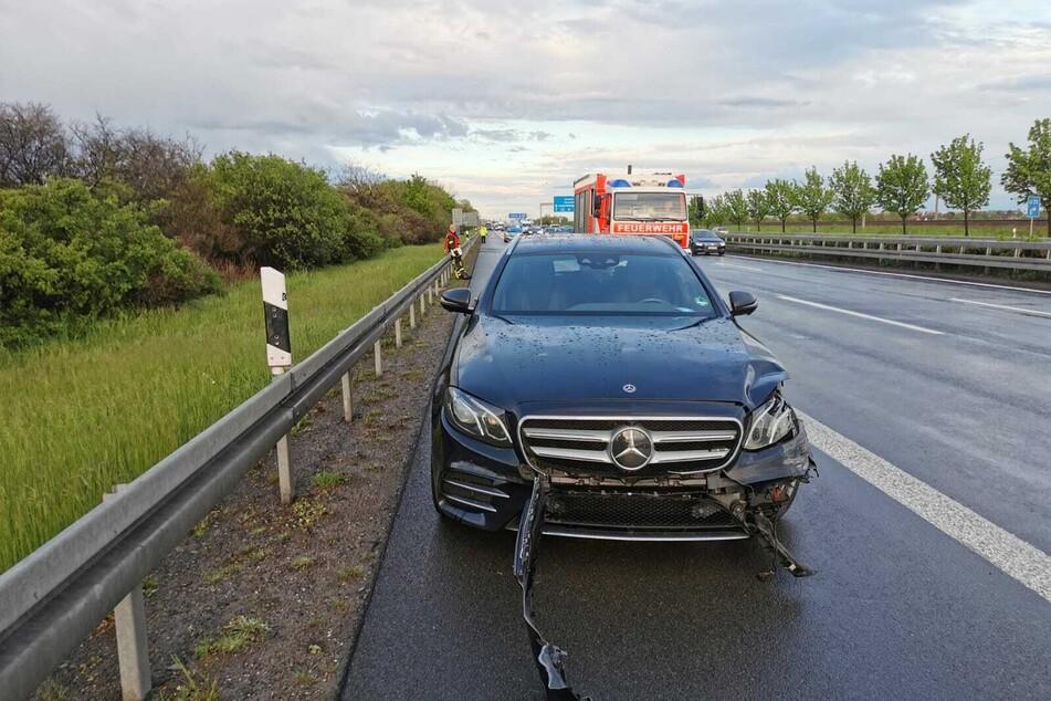 Auf der A14 ist am Samstagabend ein 64-Jähriger mit seinem Mercedes verunglückt.