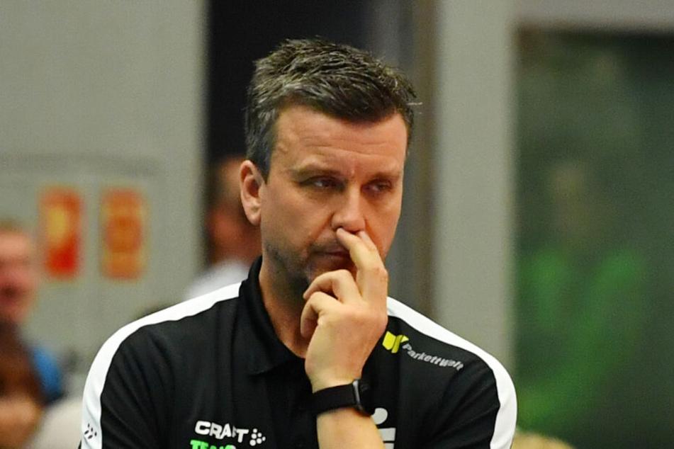 Chefcoach Alex Waibl schaut wenig begeistert drein, aber gegen Münster war nichts zu holenChef Chefcoach Alex Waibl schaut wenig begeistert drein, aber gegen Münster war nichts zu holen.Cef
