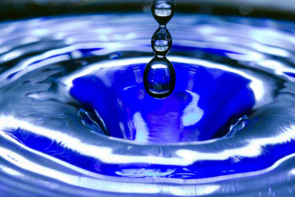 Das Leitungswasser in Heidelberg war blau gefärbt. (Symbolbild)