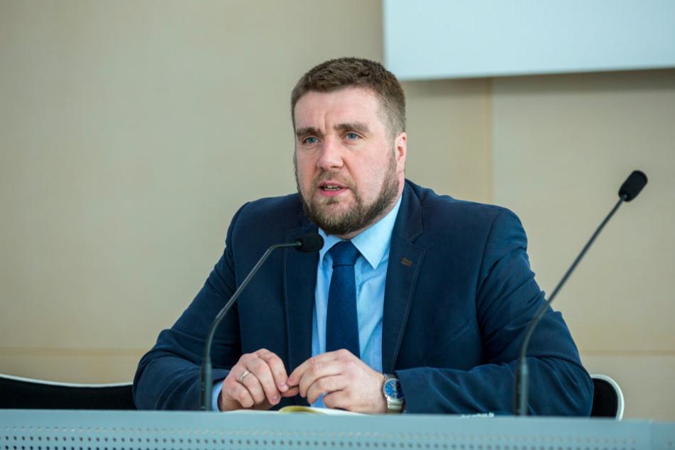 Der sächsische AfD-Geschäftsführer Uwe Wurlitzer kritisiert die Aufklärungsarbeit der Polizei.