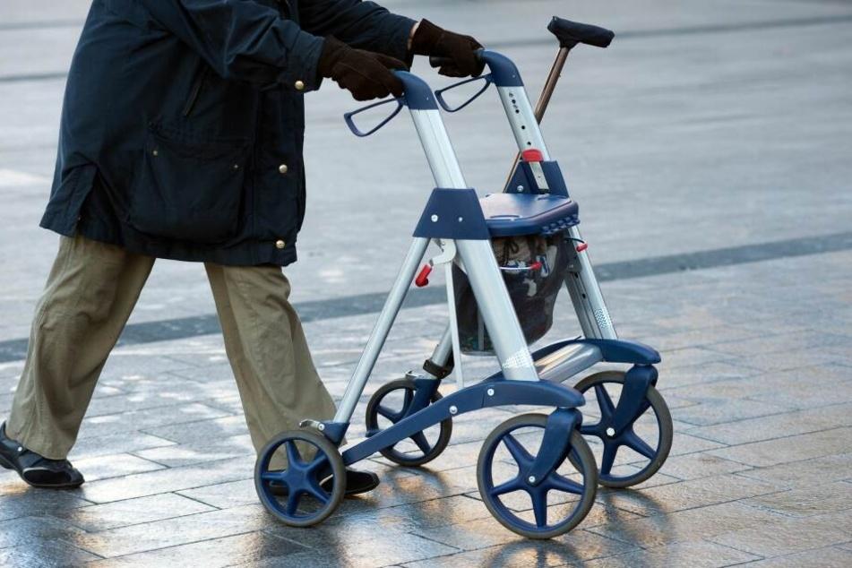 In Zwickau beklauten Jugendliche einen Rentner. (Symbolbild)