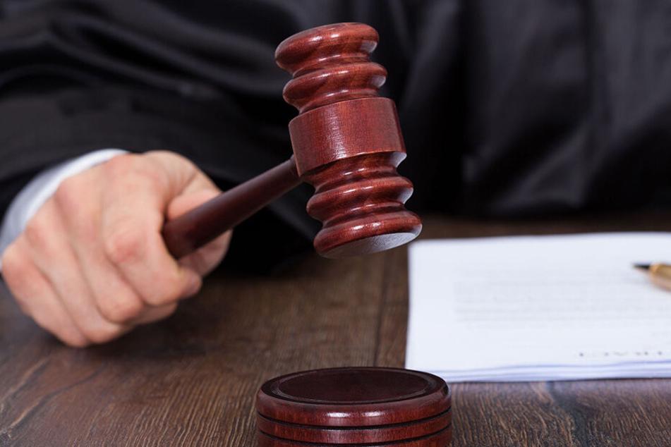 Richter Douglas fällte sein Urteil (Symbolbild).