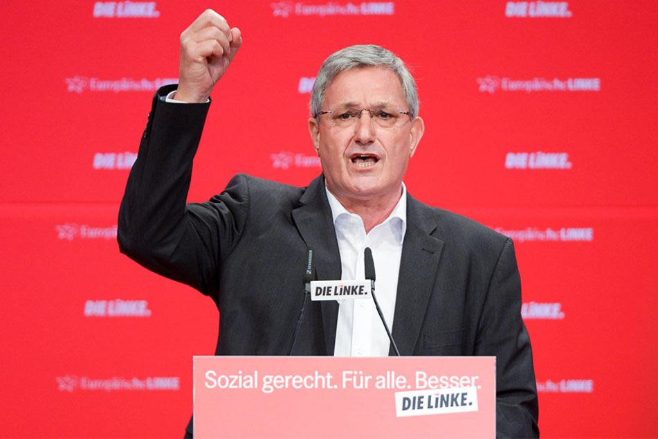 """Linke-Parteichef Bernd Riexinger forderte auf einer Versammlung in Berlin """"klare Kante gegen Rechts""""."""