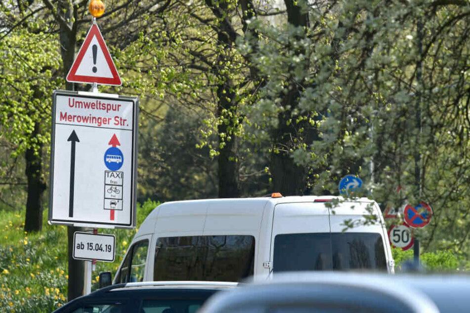Auf der Merowingerstraße wird am Montag die erste Umweltspur in Düsseldorf freigegeben