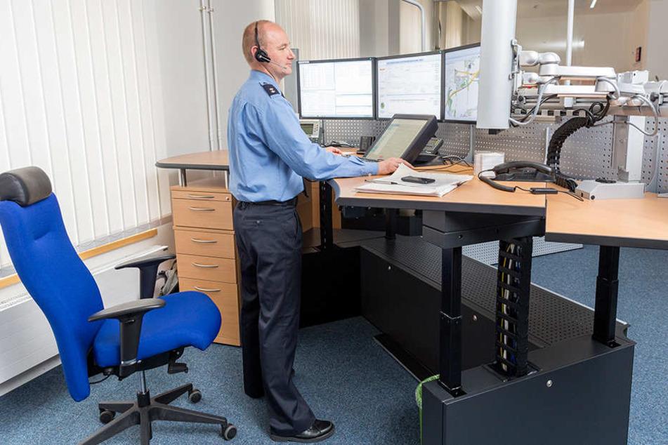 Das Führungs-und Lagezentrum der Polizei in Dresden ist neu. Woanders hapert es aber bei der technischen Ausstattung.