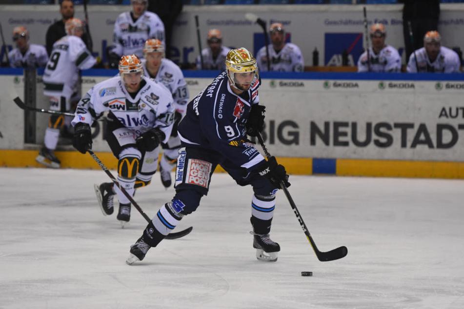 Schoss am Freitag vier Tore und will sein Können auch am Sonntag zeigen: Eislöwen-Angreifer Jordan Knackstedt.