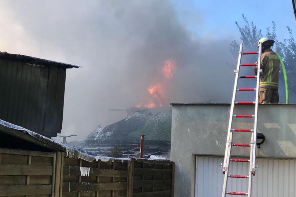 Einfamilienhaus durch Flammen-Inferno komplett zerstört