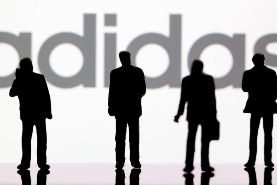 Adidas hat nach dem Ausbruch des Coronavirus in China mit einem schlechten Geschäft zu kämpfen. (Symbolbild)