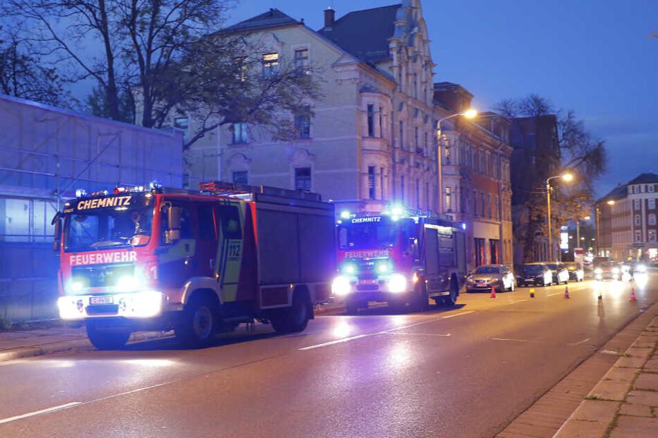 Die Zwickauer Straße musste kurzzeitig gesperrt werden.