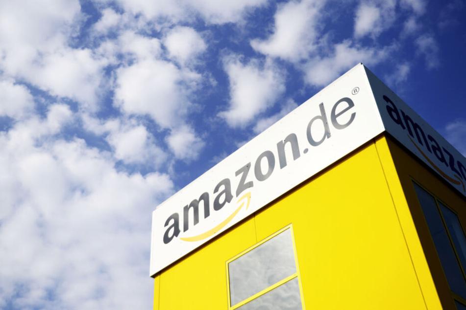 Für Amazon hagelt es nun Kritik. (Symbolbild)