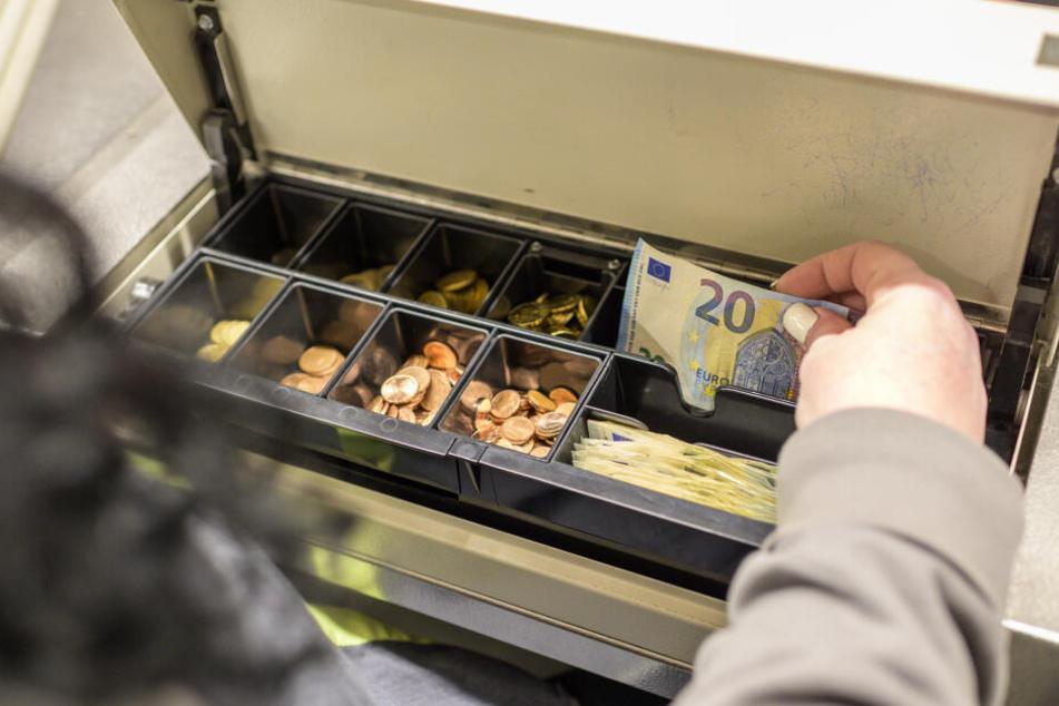 In dieser Kasse tauchten die falschen 20-Euro-Scheine auf.