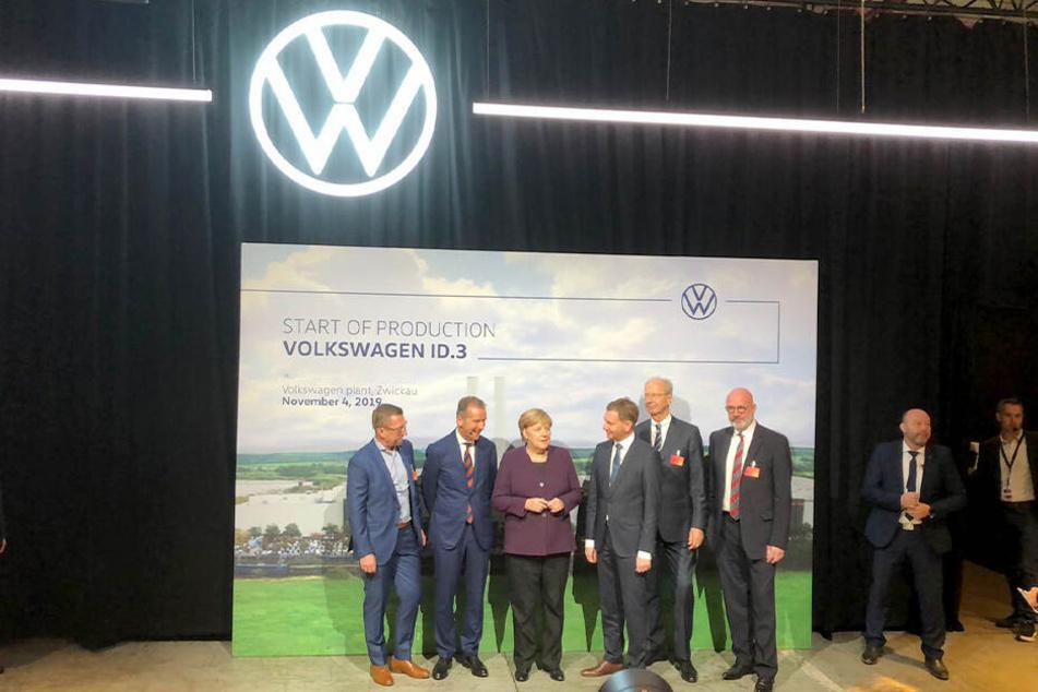 Angela Merkel bei der Präsentation im VW-Werk Zwickau.