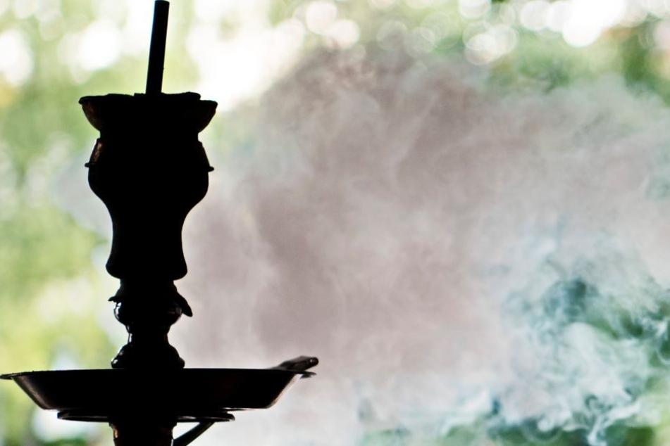 Die Kohle von Shishas kann zu einer Kohlenmonoxid-Vergiftung führen.