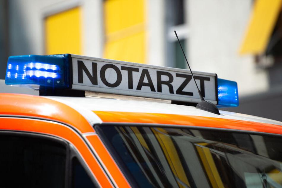 Die Rettungskräfte konnten das Leben des Beifahrers im Unfallwagen nicht mehr retten.