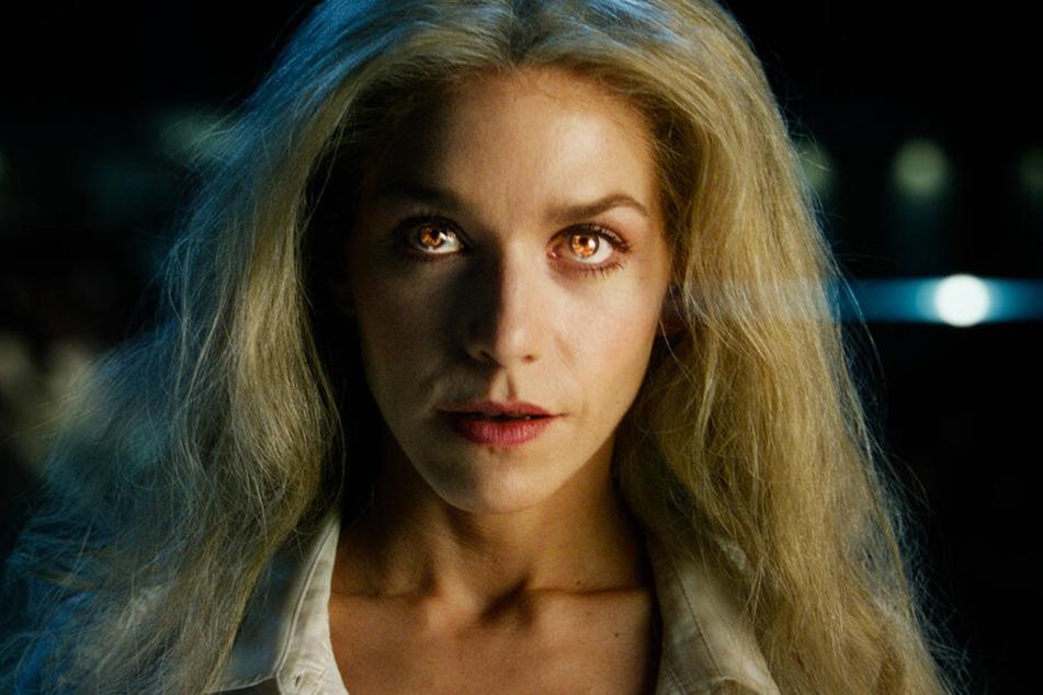 Renate Richter (Julia Dietze) leitet mittlerweile die Basis auf der dunklen Seite des Mondes.