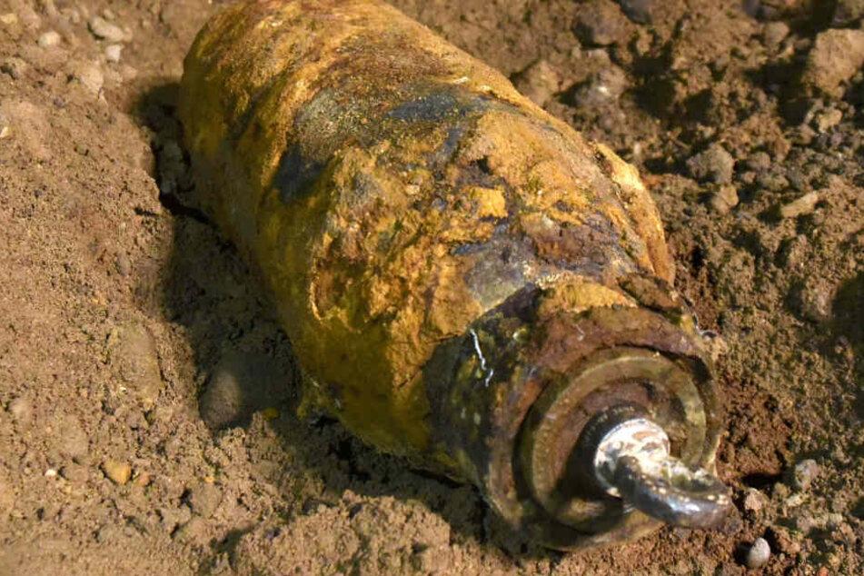Der Fund einer Weltkriegsbombe ist im Rhein-Main-Gebiet immer wieder Thema in den Medien. Diese Bombe wurde im September 2017 beim Frankfurter Flughafen gefunden.