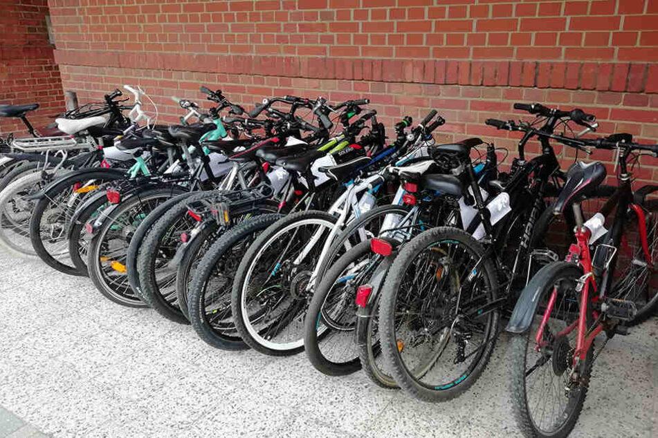 Insgesamt 18 Fahrräder waren im Sprinter geladen.