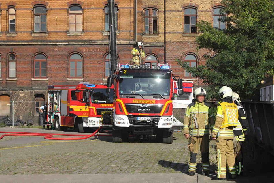 Feuerwehr und Polizei mussten in der Waltherstraße anrücken.