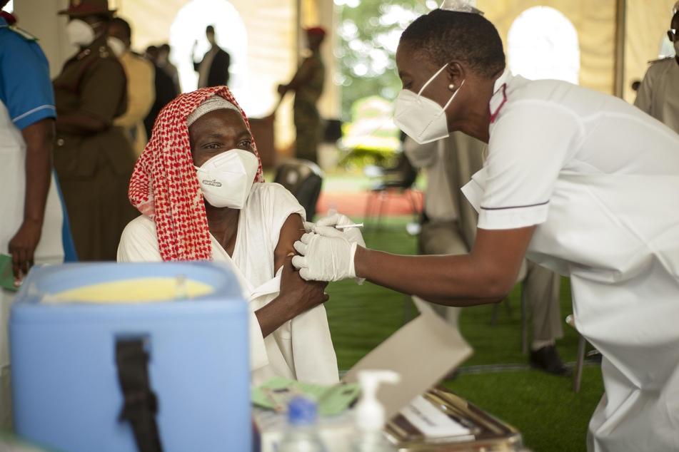 In Afrika wurden bislang knapp acht Millionen Corona-Infektionen dokumentiert, von denen mehr als 200.000 tödlich verliefen.