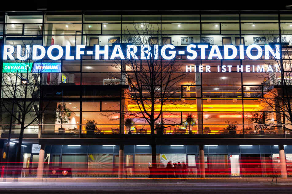 """Der Stadion-Namensgeber """"Konsum"""" erfüllt seinen Vertrag bei Dynamo Dresden."""