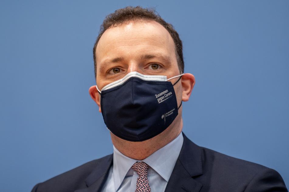 Laut Jens Spahn (40, CDU) kann es noch Wochen dauern, bis allein die Risikogruppen ihre Corona-Impfungen erhalten.