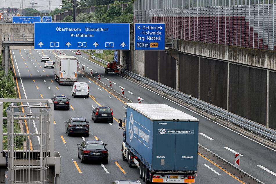 Eine tonnenschwere Betonplatte war im November 2020 auf der A3 bei Köln auf einen Wagen gestürzt und hatte eine Autofahrerin getötet.
