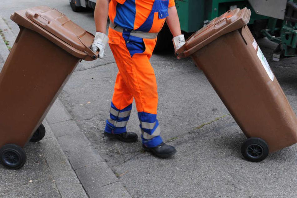 Leipziger Stadtreinigung: Wer nicht richtig sortiert, bleibt auf seinem Müll sitzen