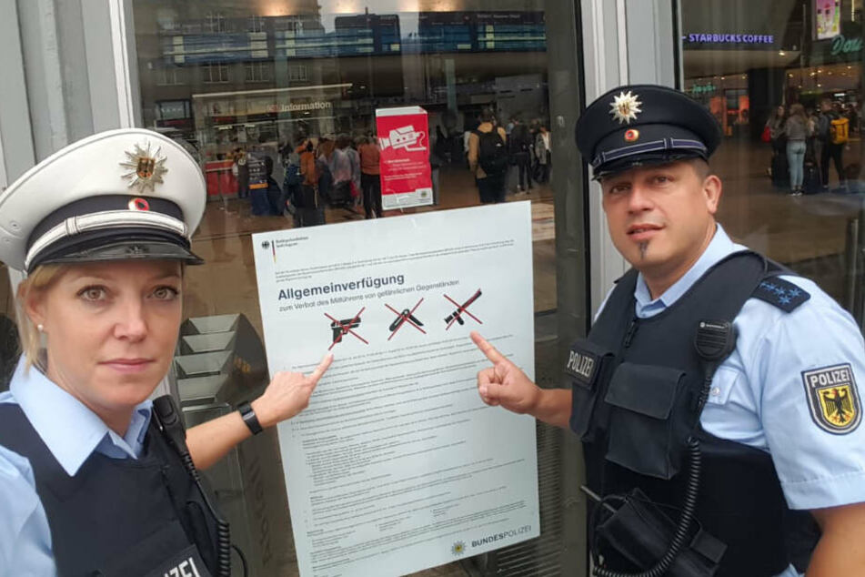 Die Bundespolizei will Besucher und Reisende verschärft auf gefährliche Gegenstände kontrollieren.